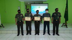 Acara Penyerahan Piagam Penghargaan Kepada Agen Perubahan Dan Pegawai Teladan Pengadilan Militer III-19 Jayapura TA 2020.